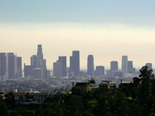 Poll: Californians Rank Economy as Top Issue Before Primary