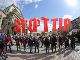 Obama in Germany: 35,000 Protest TTIP Trade Deal in Hannover