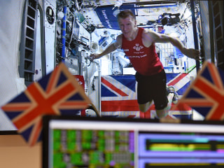 Space Race: Astronaut Runs London Marathon — From ISS