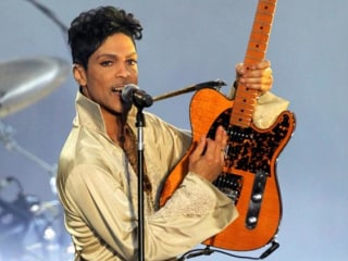Prince Album Sales Soar on Amazon, iTunes