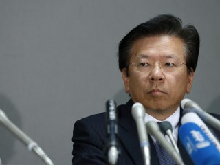 Mitsubishi President to Step Down Amid Emissions Scandal