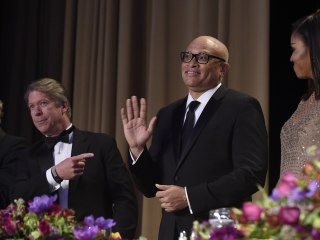 Mixed Reaction as Larry Wilmore Drops N-Bomb at #WHCD