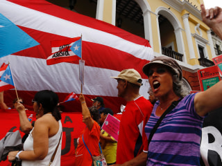 'Hanging on the Cliff': Puerto Rico to Default on $422 Debt Payment