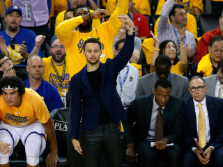 "Warriors' Curry Says ""pretty good"" chance he Plays in Game 3"