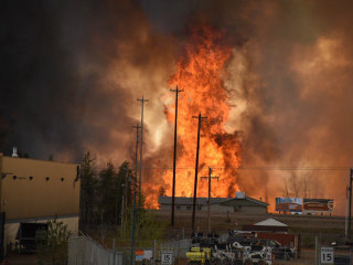 Out-of-Control Wildfire Evacuates City of 60,000 in Alberta, Canada