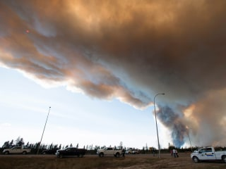 Fort McMurray Wildfire in Alberta Could 'Double in Size' Over Weekend