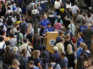Congress Rips TSA for Long Lines, Abuse, 'Smurfing' Bonus Practices