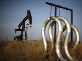Oil Prices Steady as Return of Canadian Output Offsets Tighter Global Market