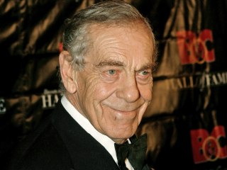 Morley Safer, Veteran CBS News Correspondent, Dies at 84