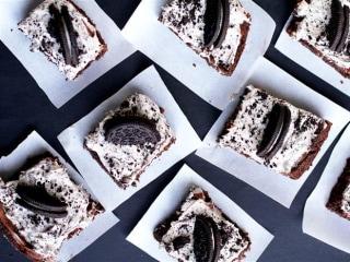 Sweet Dream: Cookies and Cream Gooey Cake