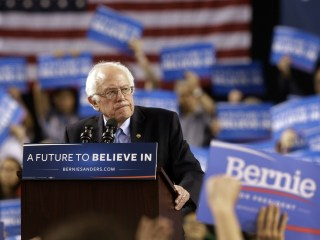 Sanders Supports Wasserman Schultz Opponent, Says If He's Elected She's Out as DNC Chair