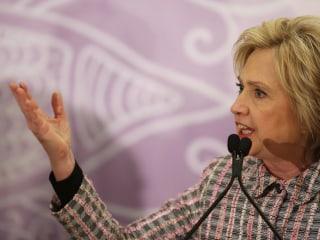 Hillary Clinton Slams Trump on Guns, Says 'I Will Not Pander to the Gun Lobby'