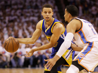 "Report: Stephen Curry at 70 Percent ""At Best"" Due to Knee Injury"