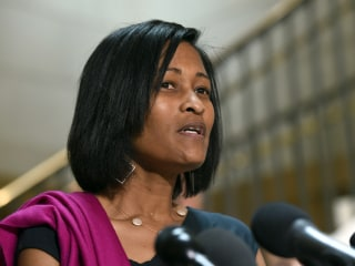 Judge Blocks Release of Cheryl Mills' Video in Clinton E-Mail Deposition