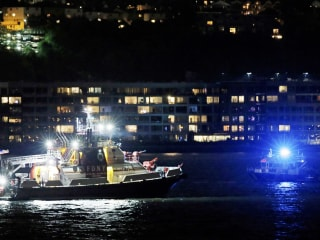 Vintage Plane Crashes Into Hudson River, Body Found