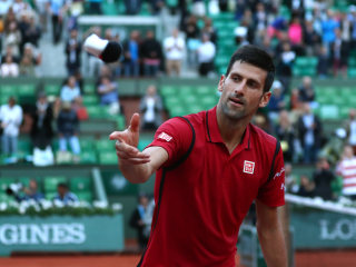Novak Djokovic Dominates Aljaz Bedene, Advances to Fourth Round