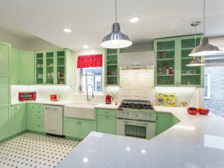 This Kitchen Got a 1950s-Inspired Makeover — and It's Amazing