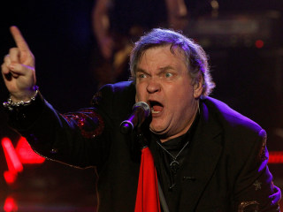 Rocker Meat Loaf Collapses on Stage in Edmonton, Canada