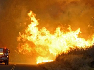 Santa Barbara-Area Homeowners Forced to Flee Growing Sherpa Wildfire