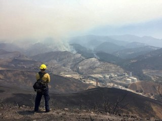 California Fire Crews Fight Sherpa Wildfire, Brace for 120-Degree Temps
