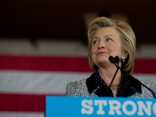 Clinton: 'We're Going to Get Comprehensive Immigration Reform'