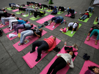 Yoga, Acupuncture Can Help Some Pain, Studies Find