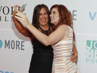 Mariska Hargitay and Debra Messing Take Makeup-Free Selfie