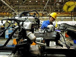 European Factories Bounce as Asia Struggles, But Brexit Poses Threats