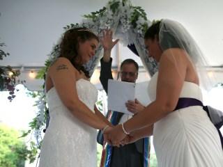Judge Blocks Mississippi Law Objecting Same-Sex Marriage