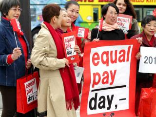 Wage Gap Between Races, Genders Persist as Asian Men Top Average Earnings: Report