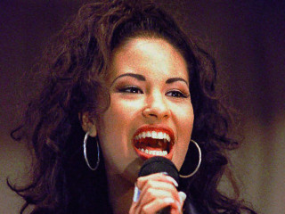 Late Singer Selena Among Latinos to Get Star on Hollywood Walk of Fame