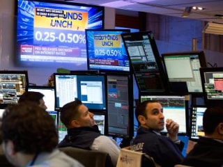 Dow Futures Fall 100 Points After Brexit Rally, July 4th Close
