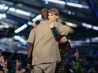 Kim Kardashian Posts Video of Kanye West and Taylor Swift Discussing 'Famous' Lyrics