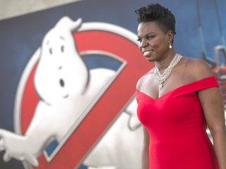#LoveforLeslieJ: Thousands Rally Behind 'Ghostbusters' Star Leslie Jones After Twitter Abuse