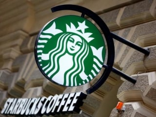 Starbucks Cafe Sales Miss Targets as Growth Cools, Stock Falls