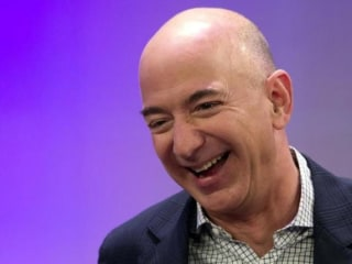 Amazon's Bezos Moves Past Buffett to Become World's Third Richest Man