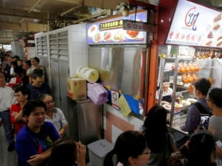Singapore Street Stalls Make Dining History With Michelin Star