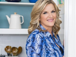 What Trisha Yearwood cooks for hubby Garth Brooks on date night