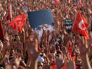 Turkey Detains Journalists in Erdogan's Post-Coup Crackdown