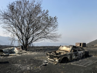 Los Angeles Firefighters Move Closer to Containing Sand Wildfire