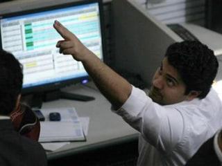 BoE Stimulus Sledgehammer Lifts World Stocks, UK Shares Hit 1-Year High