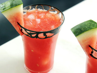 15 Refreshing Cocktails You Should Make Before Summer Ends