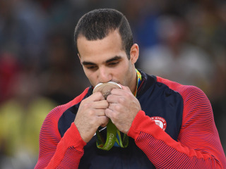 Danell Leyva Wins 1st Olympic Parallel Bars Medal for USA in 20 Years
