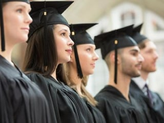 How to Get Students to Finish College? Offer Them a Free Year