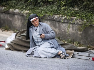 Nun in Iconic Italy Earthquake Photo Texted Friends 'Adieu'