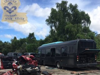 La. Fire Chief Among 2 Dead After Bus Crashes Into Accident Scene