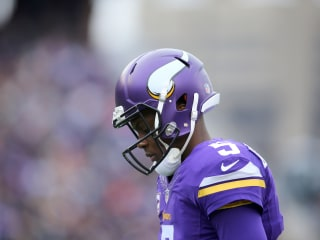 Vikings' Bridgewater Suffers Dislocated Knee, Could Miss Season