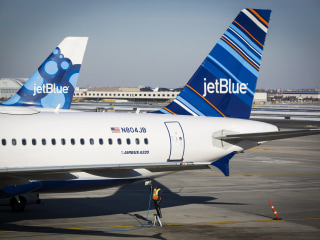 Family of 5 Claim They Were Kicked off JetBlue Flight Without Explanation