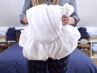 Fitted sheets: Learn where to hold 'em, know how to fold 'em
