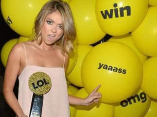 Sarah Hyland of 'Modern Family' Goes Blond! See Her Bold New Look
